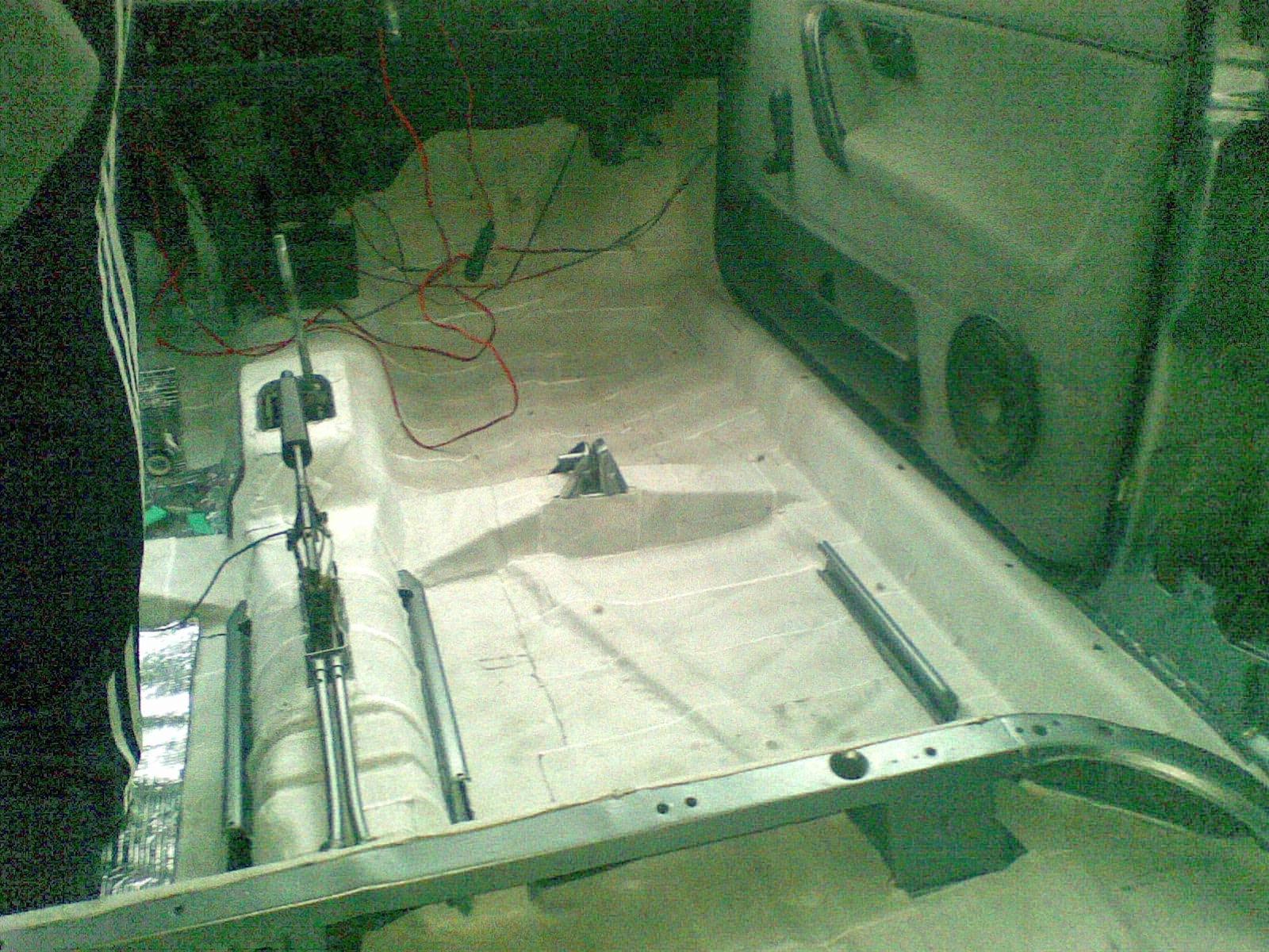 10 лансер шумоизоляция панели