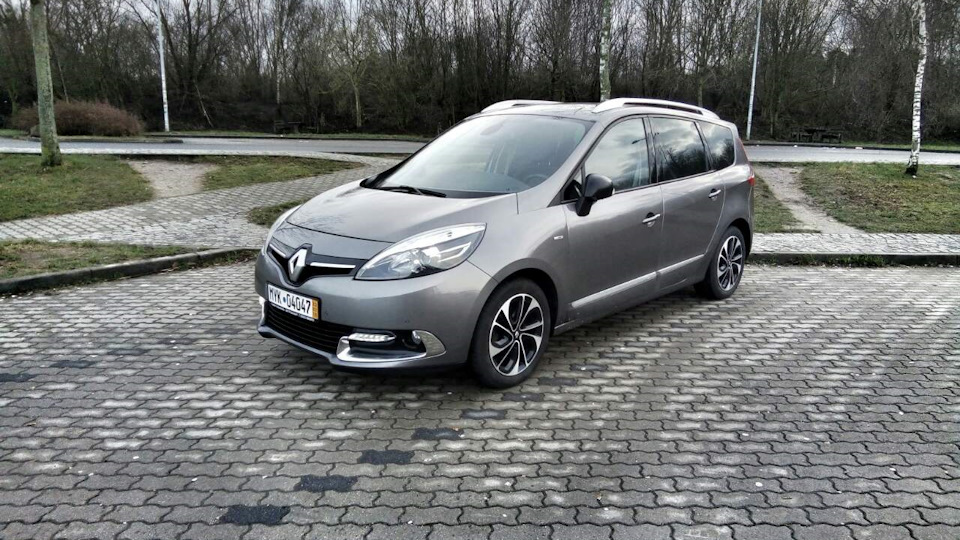 renault grand scenic 1 6 dci 130 bose energy drive2. Black Bedroom Furniture Sets. Home Design Ideas