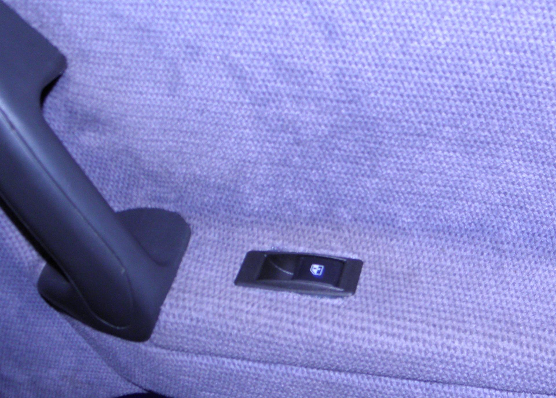Фото №12 - ремонт кнопки стеклоподъемника ВАЗ 2110