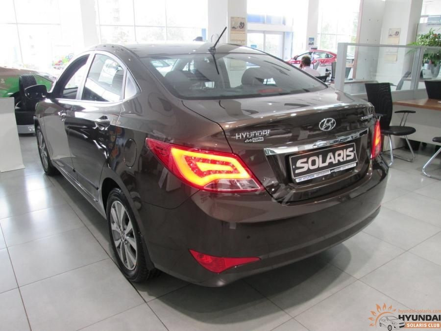 продаю оптику для hyundai solaris 2014