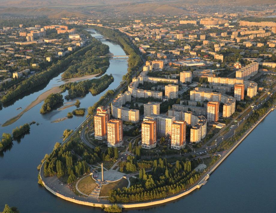 Жители Каменогорска получают копейки, горбатясь на карьерах