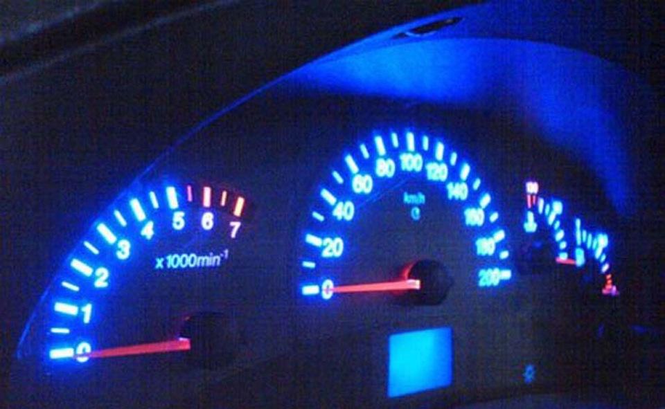 Фото №47 - тюнинговая панель приборов ВАЗ 2110
