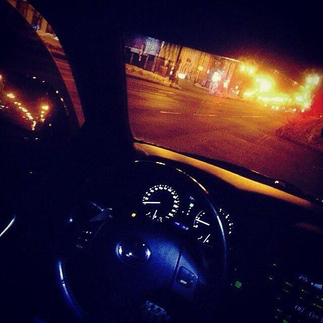 даже фото парень в машине вечером количество фото коричневых