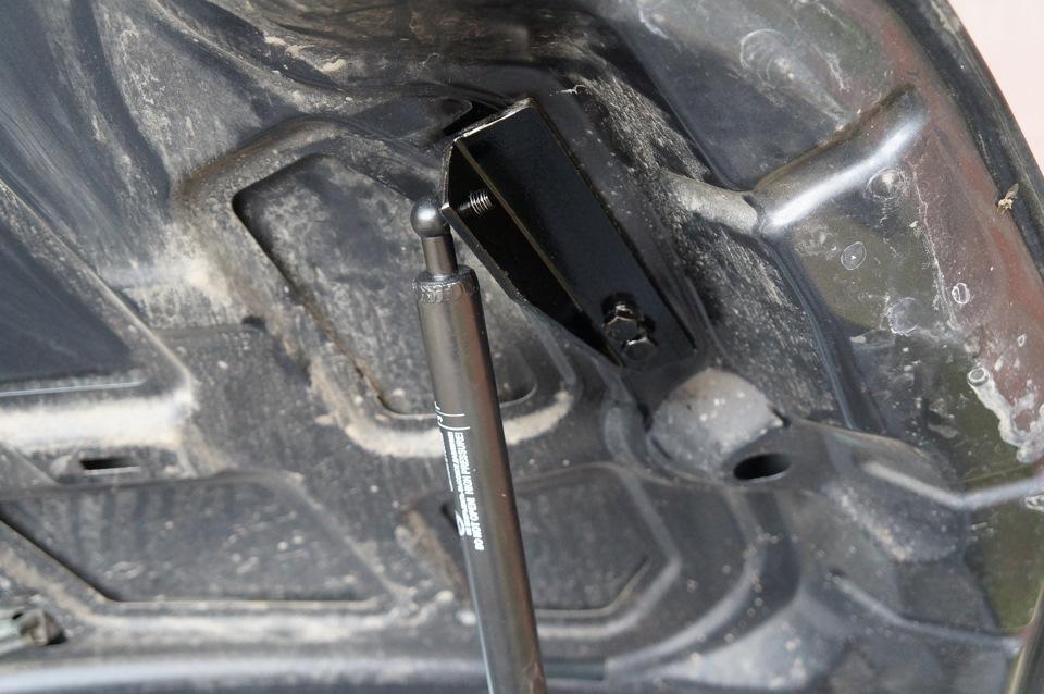 Газовый упор капота форд фокус 2 своими руками