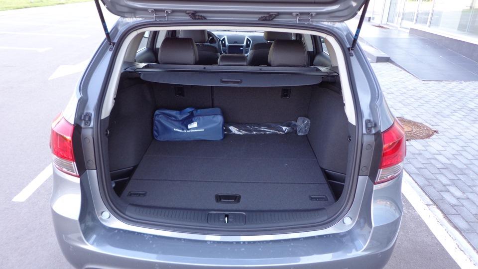 Объем багажника универсала Chevrolet Cruze в походном состоянии — ровно 500 литров