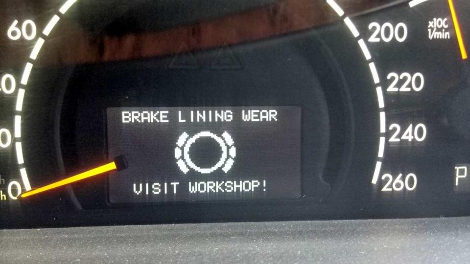 Brake lining wear visit workshop mercedes for Brake lining wear mercedes benz e320