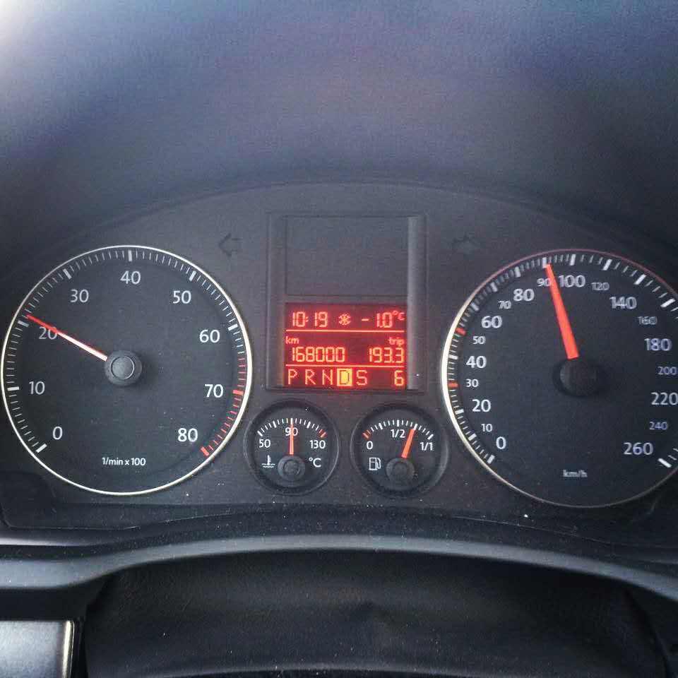 Еще одна красивая цифра — logbook Volkswagen Jetta 2007 on
