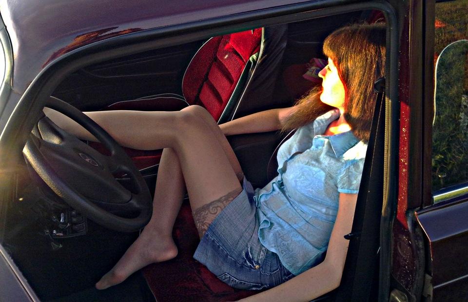 Влагалища фото девушек в чулках и у машин досок страшных кончают