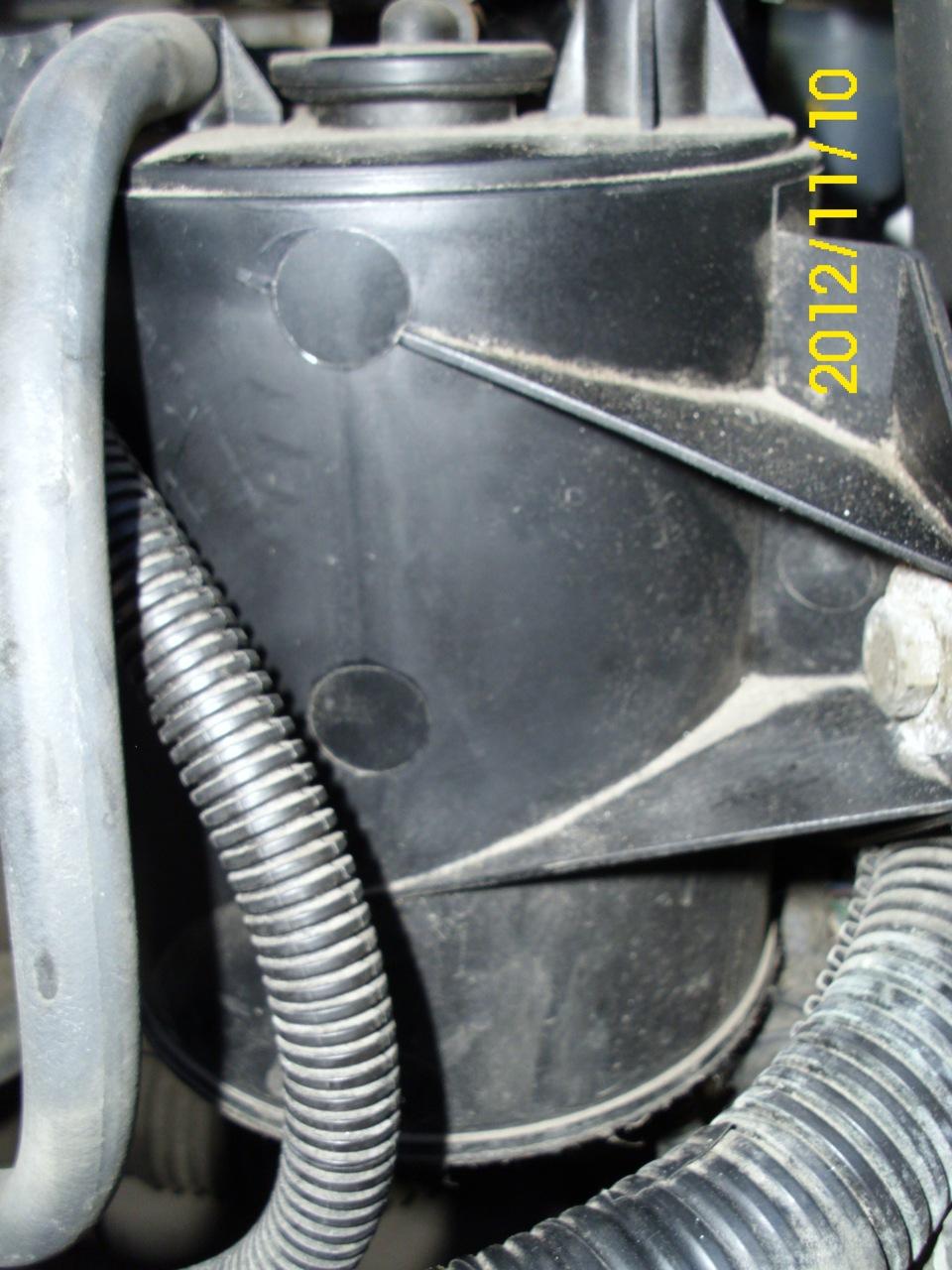 митсубиси каризма как поменять топливный фильтр