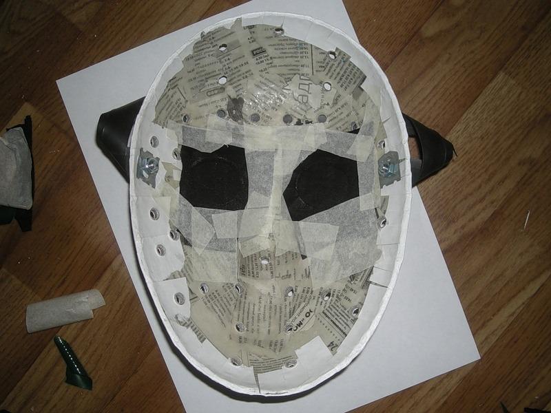 Как сделать страшную маску в домашних условиях видео