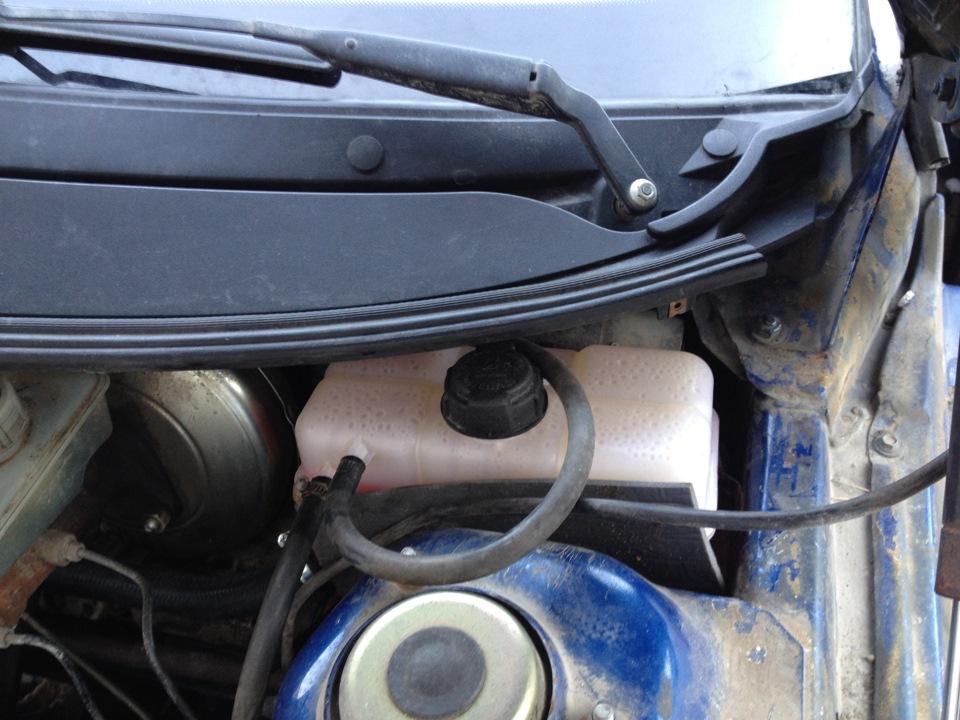 Фото №7 - замена бачка охлаждающей жидкости ВАЗ 2110