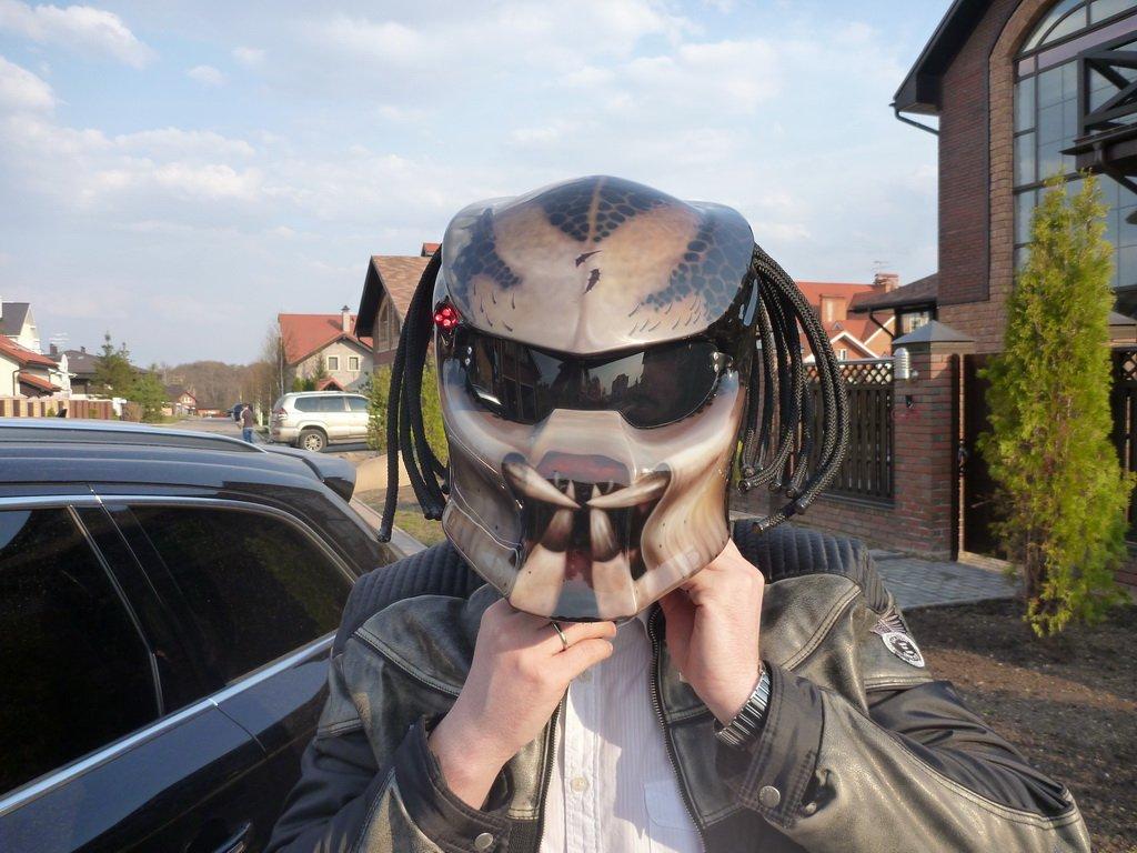 прикольные шлемы для мотоциклов фото это боковое искривление