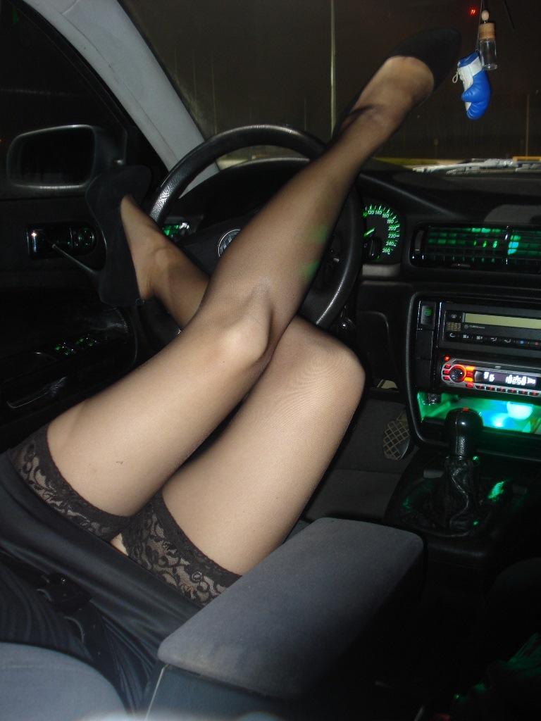 В машине голая видео спасибо