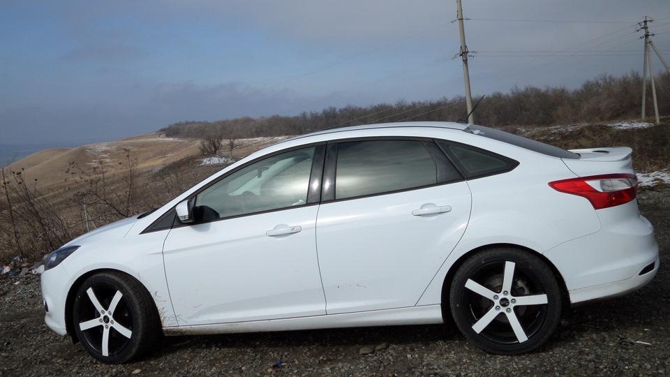 фото форд фокус 3 белый седан