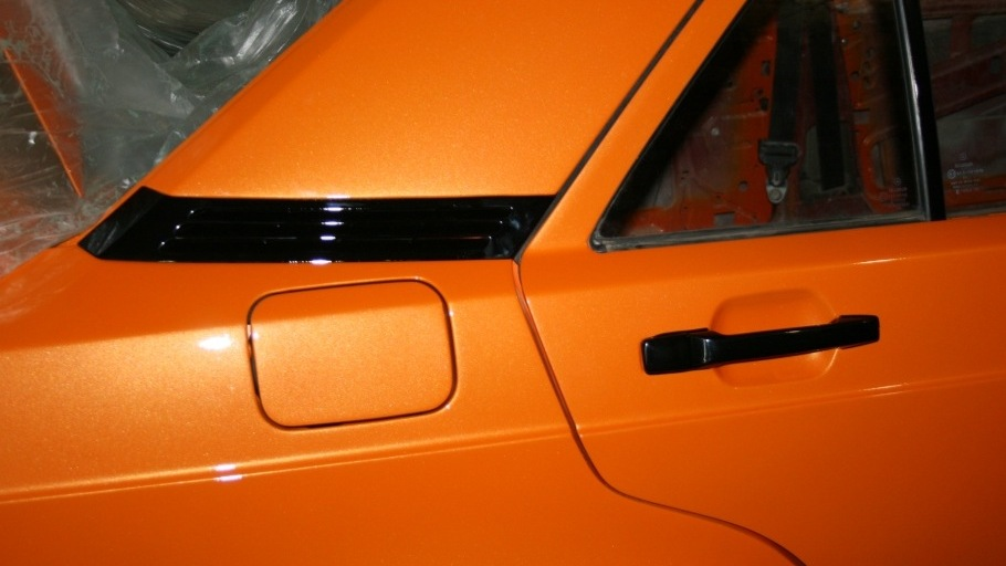 Mercedes benz 190 w201 orange wild drive2 for Mercedes benz orange