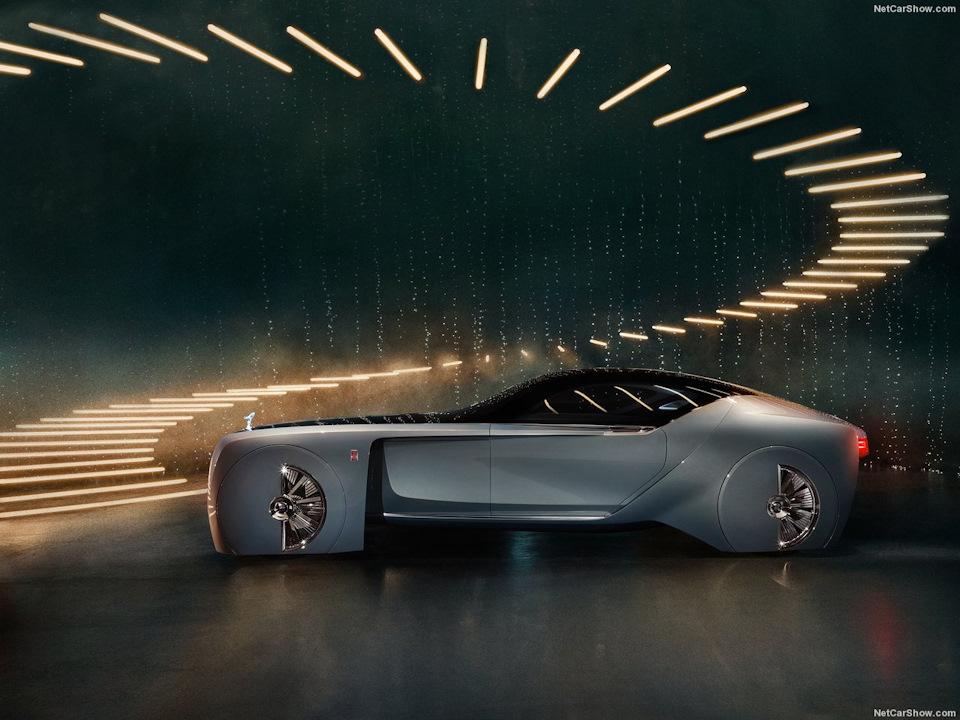 Второе столетие для БМВ — это век автономности. К 2040-ому году вполне возможно появление полностью автономных автомобилей, некоторые из которых — такие как данный Роллс-Ройс, могут и вовсе лишиться руля!