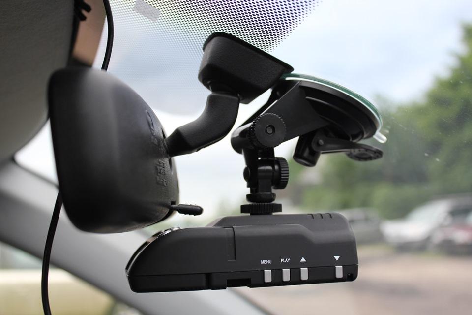 Методы крепления видеорегистраторов видеорегистратор субини dvr 027