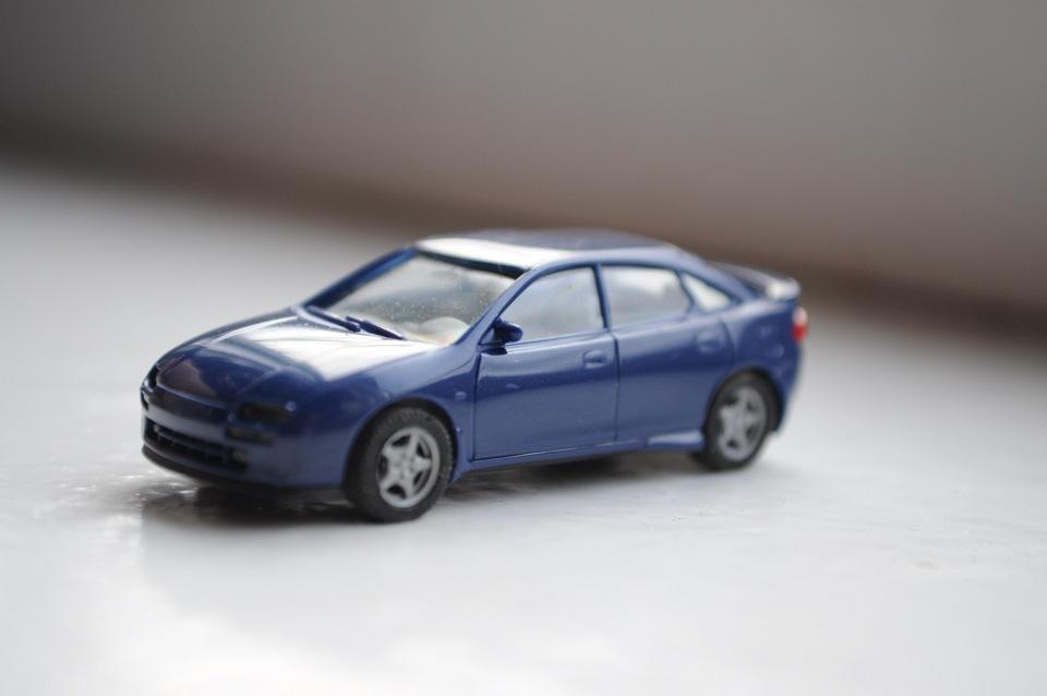 mazda 323f масштабная модель