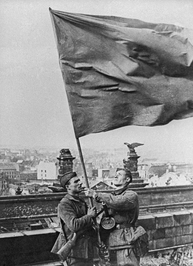 Картинки водружение флага над рейхстагом