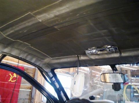 Шумовиброизоляция потолка в салоне Лада Гранта.