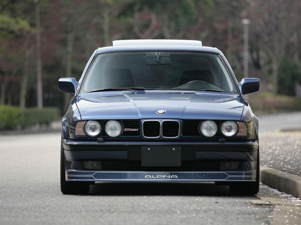 игры в которых есть BMW e30
