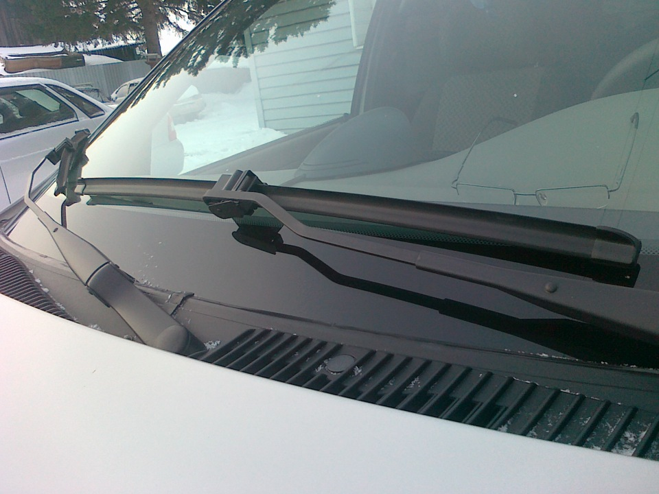 Преимущества использования бескаркасных щеток стеклоочистителя