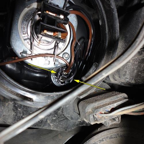 Как поменять лампочку рено меган 2