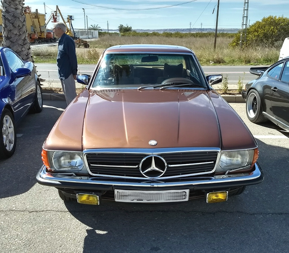Mercedes-Benz 450 SLC (C107)