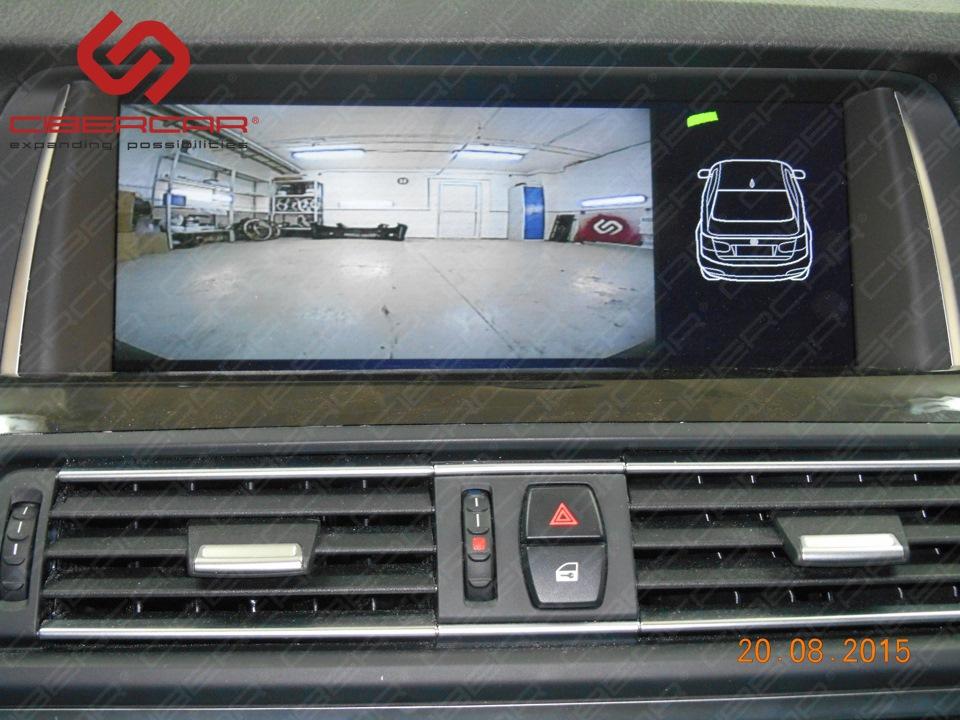 Камера переднего вида на штатном экране BMW F10 528i xDrive с выводом штатных парктроников.