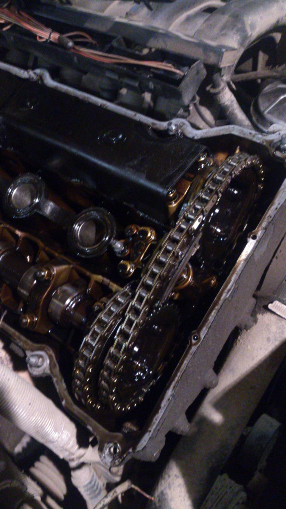 Смотрите модуль управление насосом стоит под задним правым колесом или под задними сидением