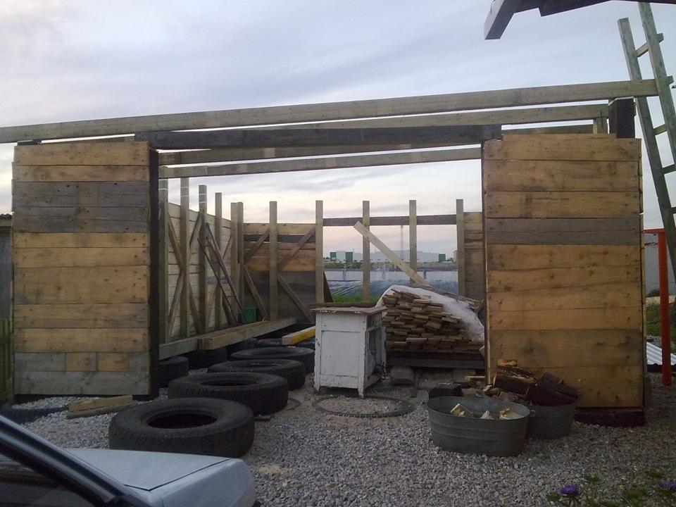 строительство гаража из шпал фото они достоинству оценят