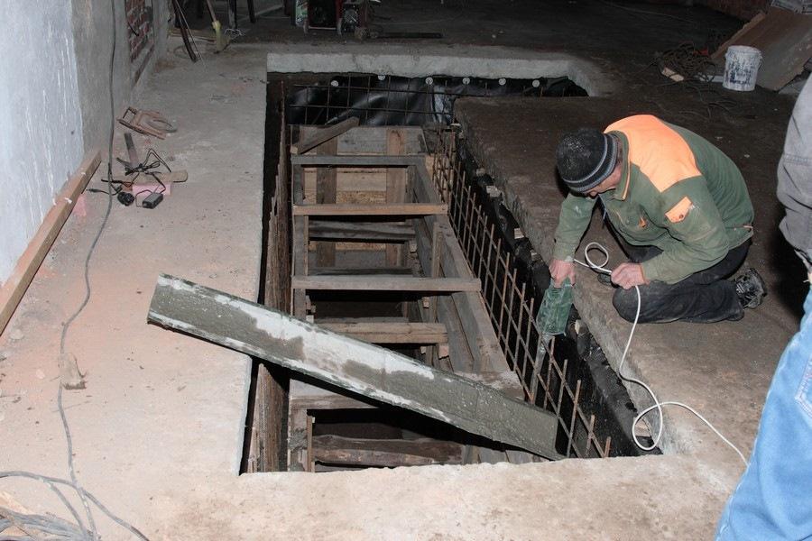 Как своими руками сделать смотровую яму в гараже своими руками