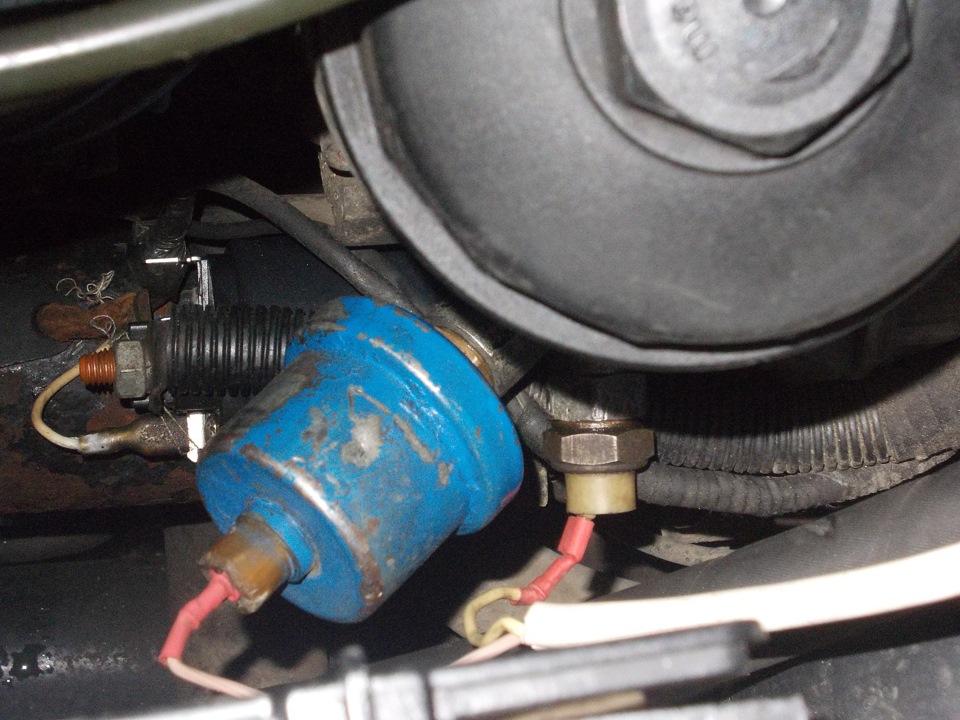 поменял масло моторное,датчик все равно горит мерседес