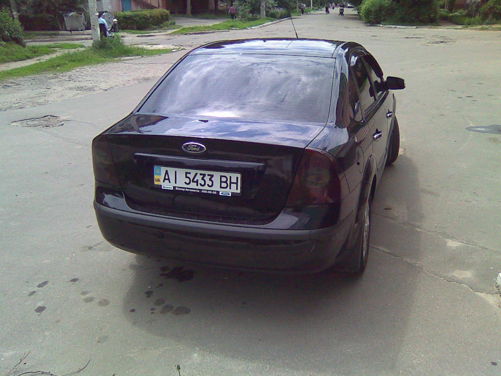 тонировка задних фонарей - бортжурнал Ford Focus Sedan 2.0 GHIA чисто чёрный 2007 года на DRIVE2