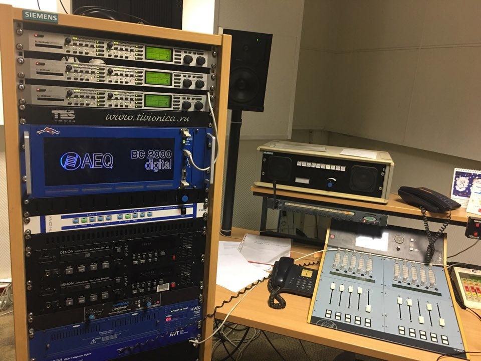 тклефон в студию радио маяк для Андроид это