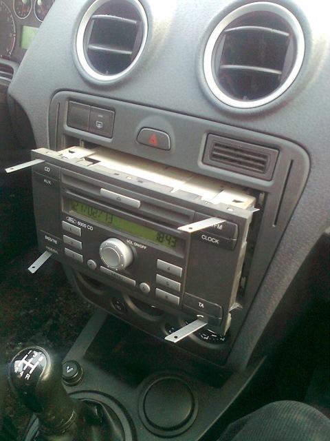 Как снять магнитолу на форд фокусе 1