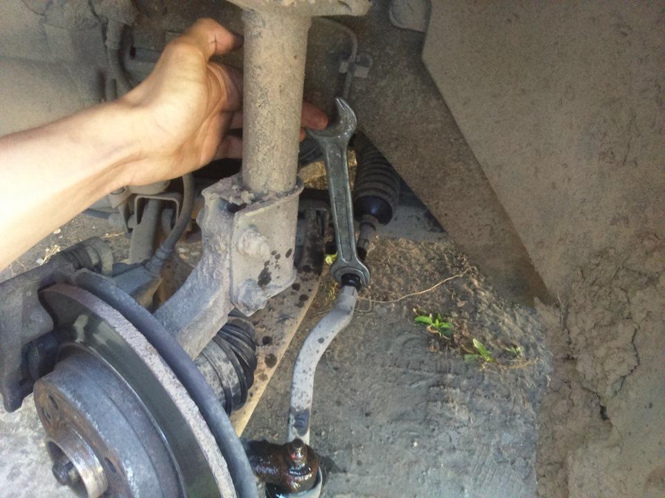 Замена рулевых наконечников своими руками 65