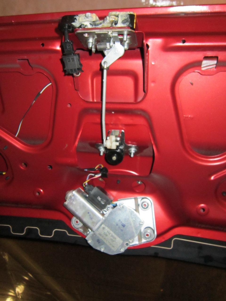 Как снять обшивку багажника калина