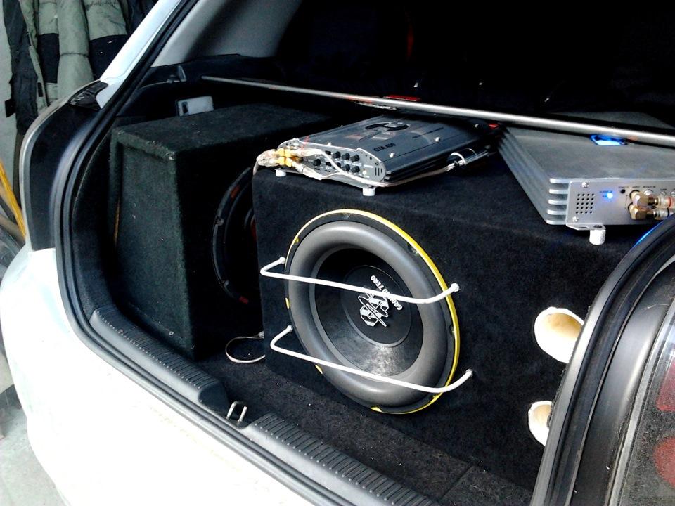 бриттов кельтов саб в багажнике фото для автомобиля