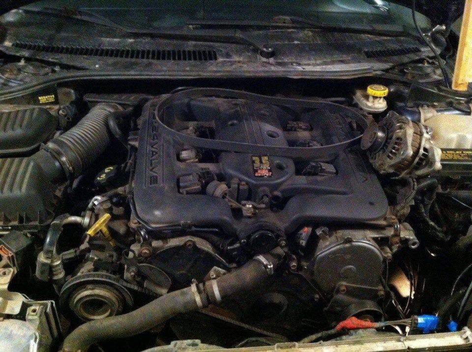 день застучал двигатель.