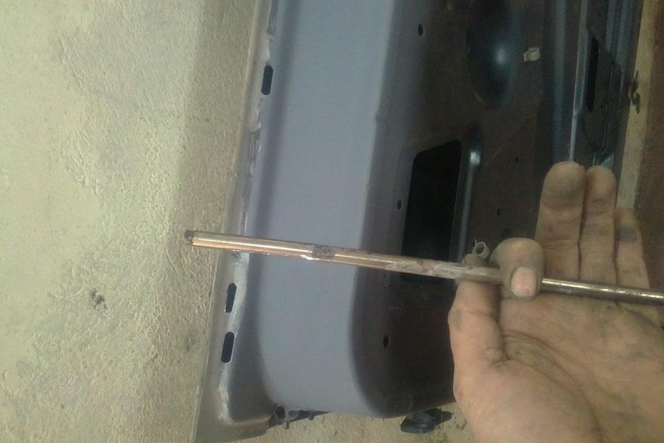 Фото №8 - ВАЗ 2110 ремонт дверных петель