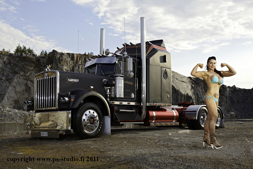 Hot Nude Girls On Trucks