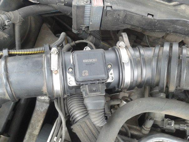 Где находится номер двигателя на опель вектра а 173