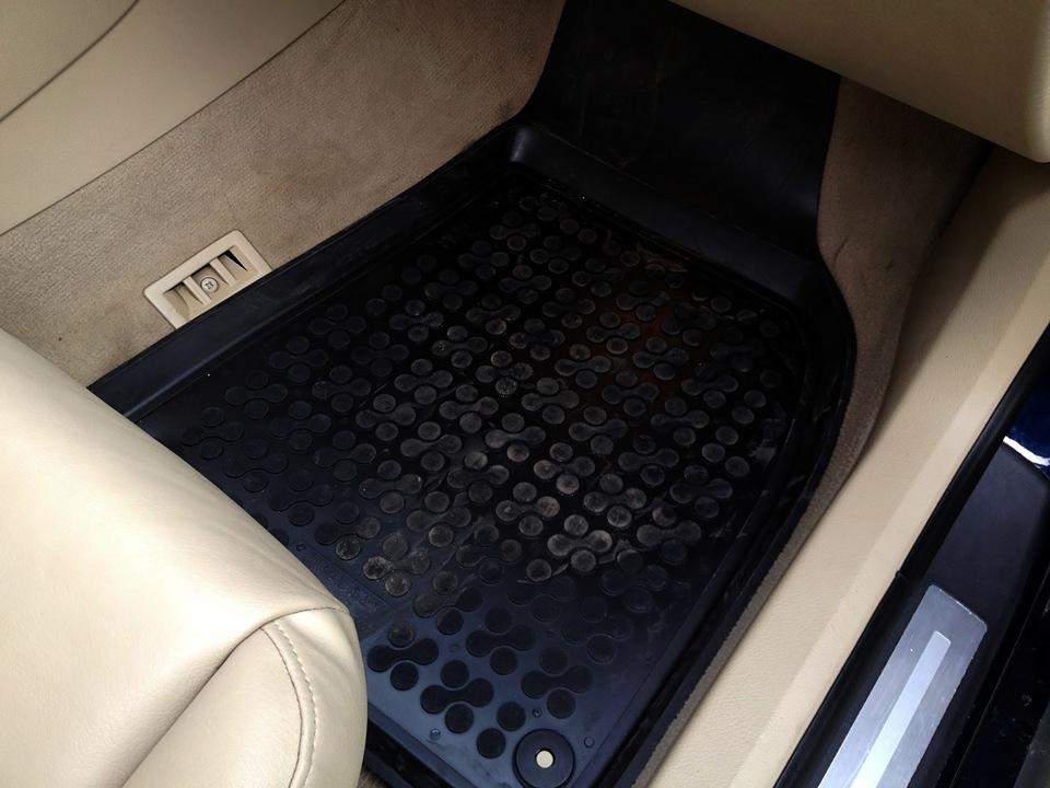 передний пассажирский коврик Rezaw-Plast