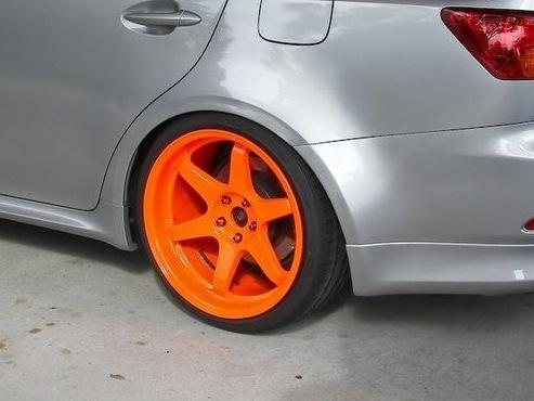 В какой цвет покрасить диски если машина серебристая
