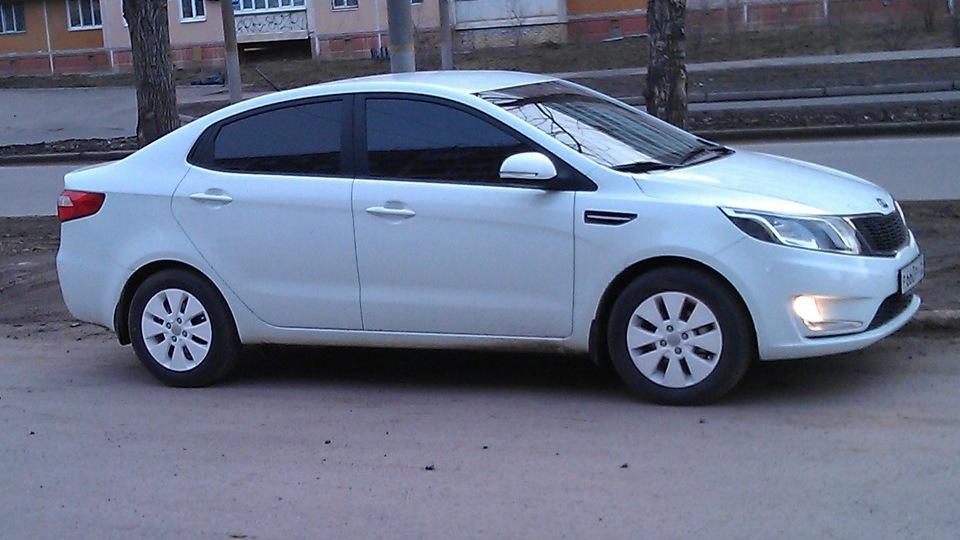 Киа рио фото белый цвет