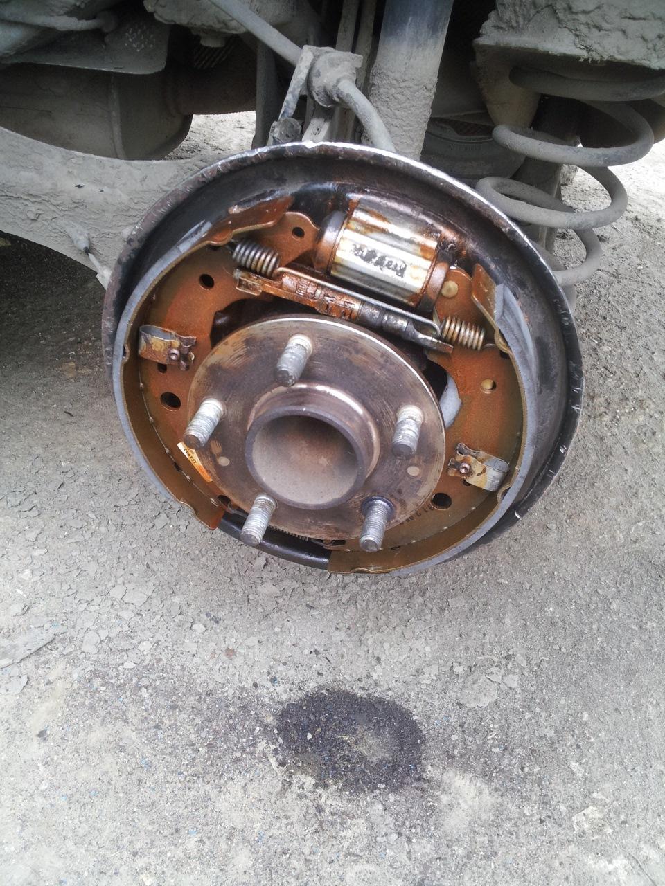 Форд фокус 2 замена задних тормозных колодок  307