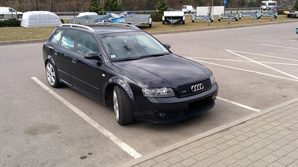 Audi a4 avant ebony black s line drive2 for Mueble 2 din audi a4 b6