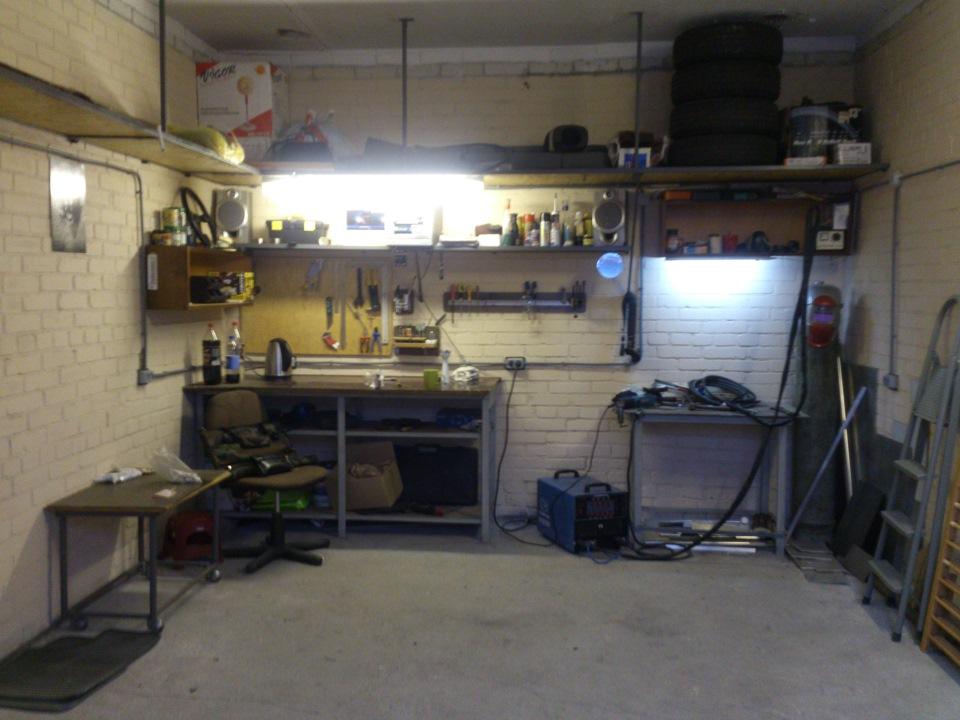 Сварочный пост в гараже