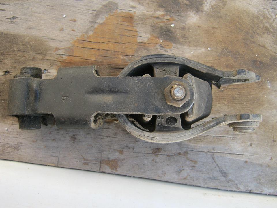 подушки двиг на peugeot 605